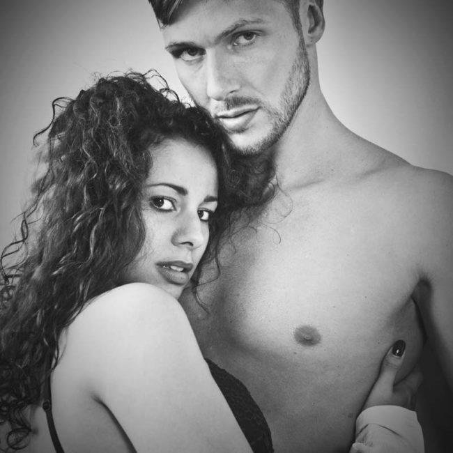 Erotisches Paarshooting München, Homeshooting mit Dessous