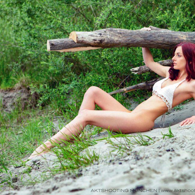 Akt am Strand | erotische Dessous Fotoshooting in München