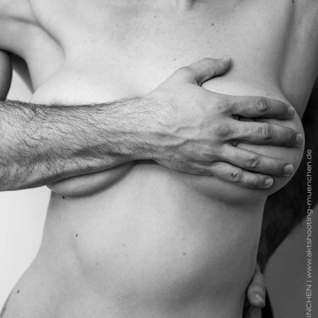 Erotisches Paarfoto München im Fotostudio